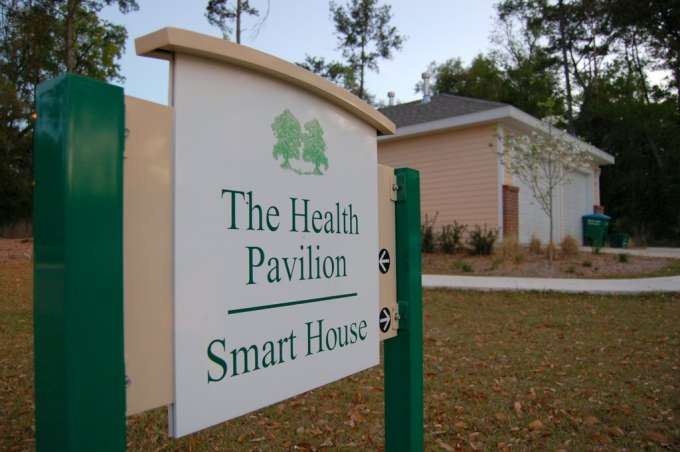 Smart House sign.